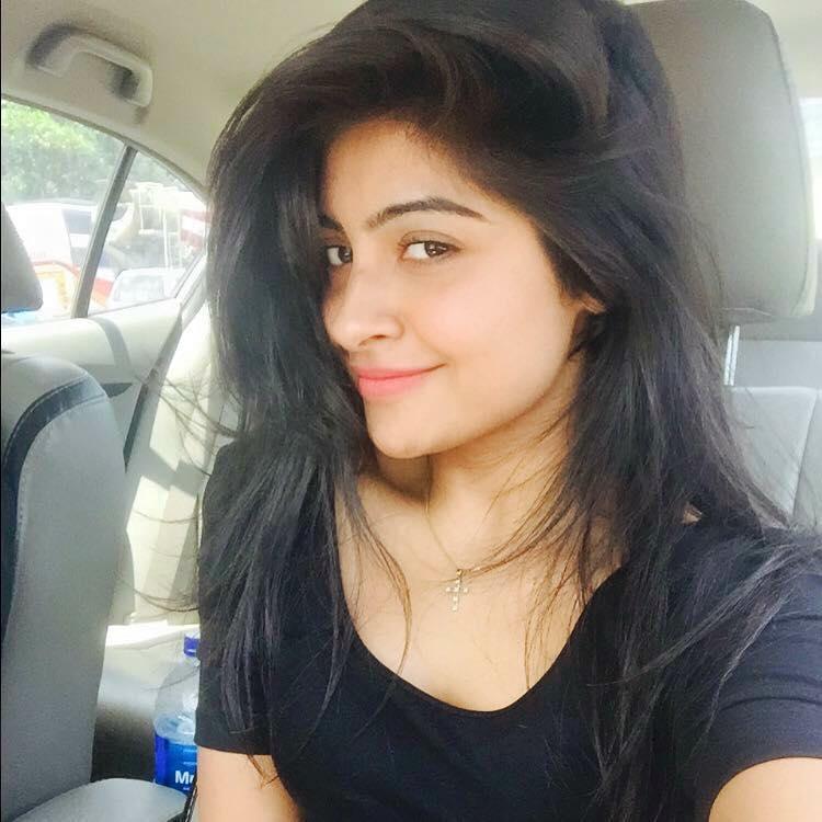 Yukti Kapoor Attractive Photos