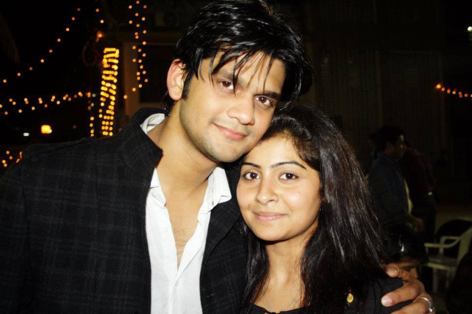 Yukti Kapoor Cute Photos With His Boyfriend