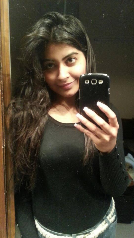 Yukti Kapoor Full HD Images
