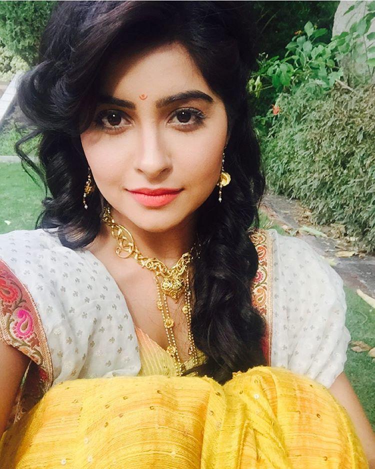 Yukti Kapoor New Look Pictures