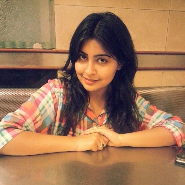 Yukti Kapoor Scenic Pictures