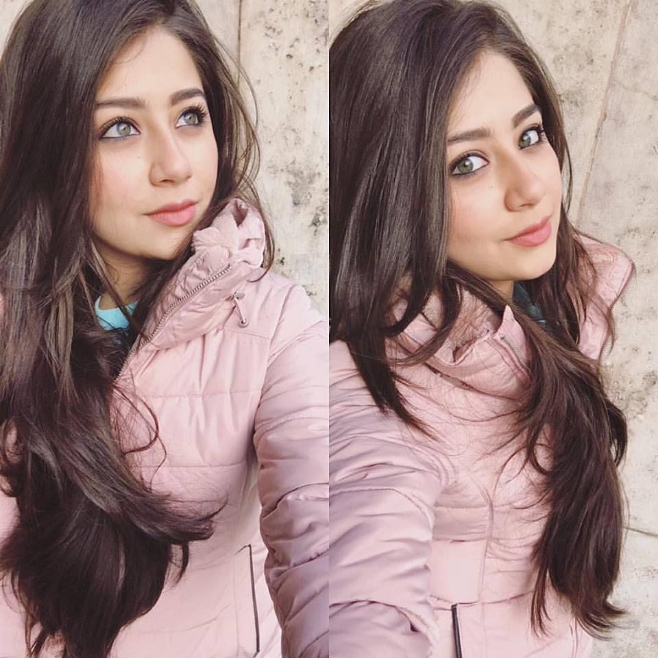 Aditi Bhatia Charming Pictures