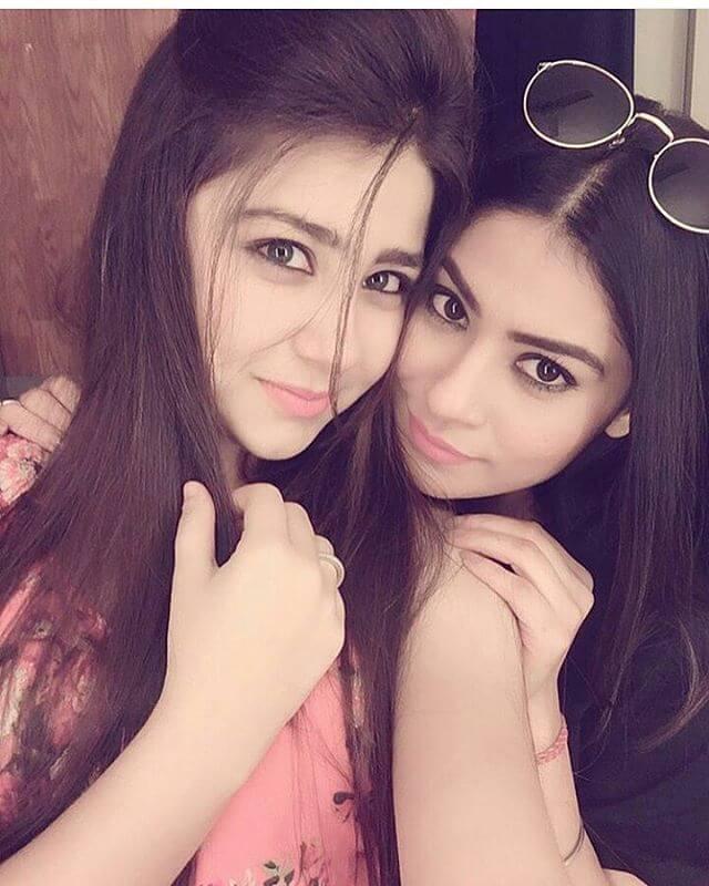 Aditi Bhatia Cute Pics With His Friend
