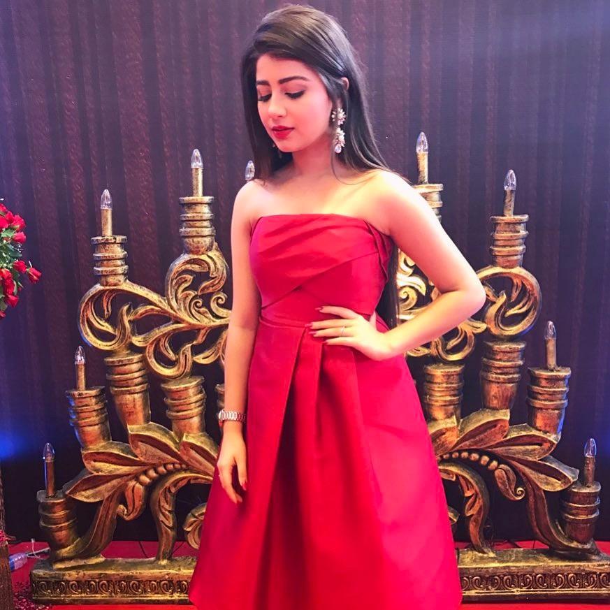 Aditi Bhatia Hot Boobs Showing Images