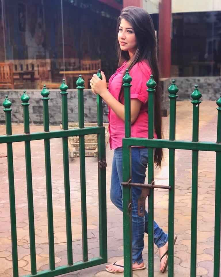 Aditi Bhatia Photos Free Download