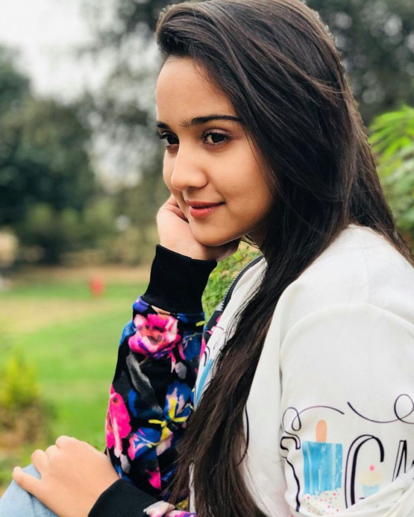 Ashi Singh Lovely & Cute Wallpapers