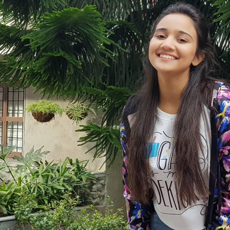 Ashi Singh Sweet Smile Wallpapers