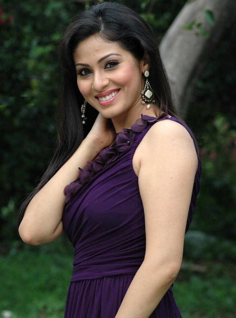 Gorgeous Sadha Images