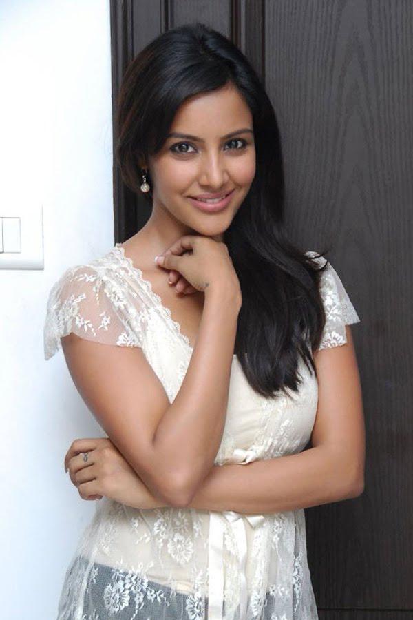 Priya Anand New & Nice Photos
