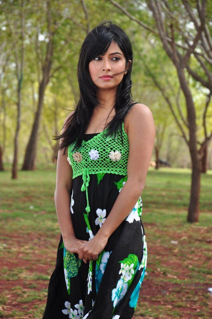 Radhika Pandit Latest Hair Style Images