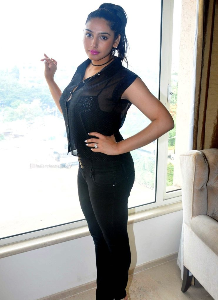 Ragini Dwivedi Latest Hair Style Images