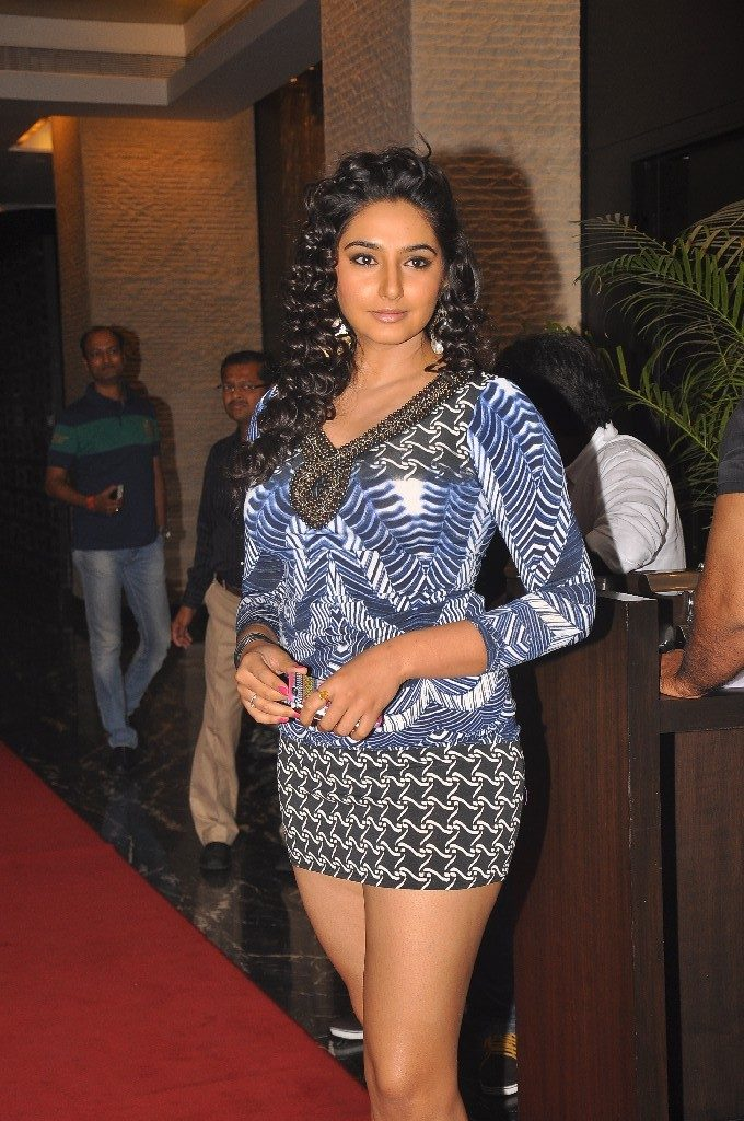 Ragini Dwivedi Upcoming Movie Look Images