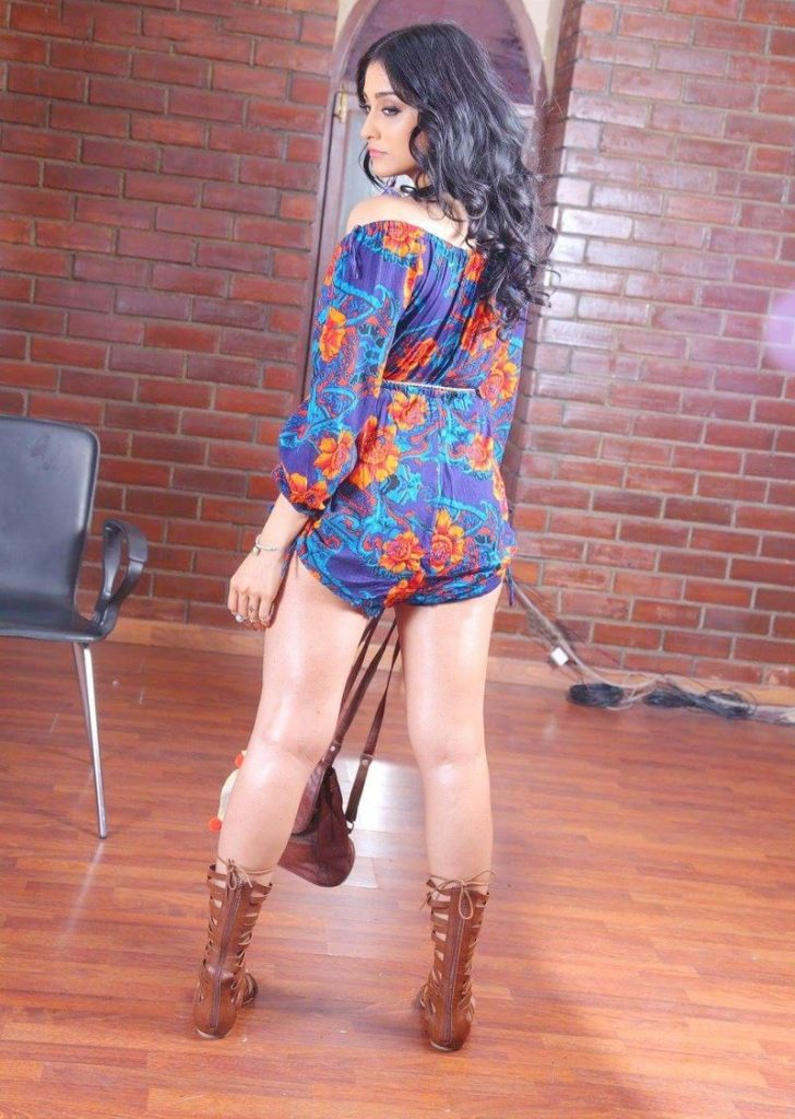 Regina Cassandra Images In Short Dress