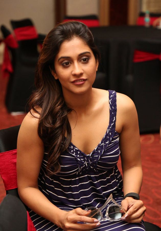 Regina Cassandra Sexy Boobs Showing Images