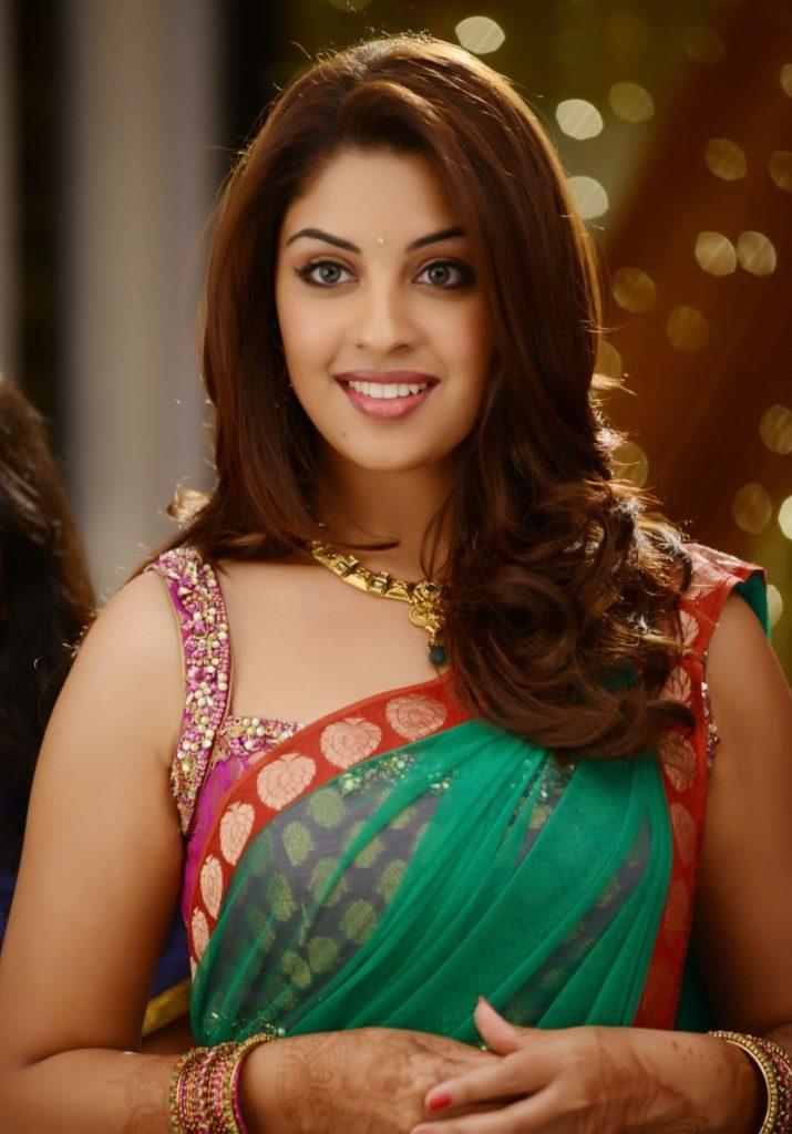 Richa Gangopadhyay Royal Look Images