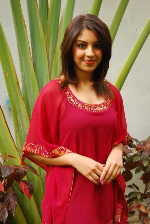 Richa Gangopadhyay Sexy Images