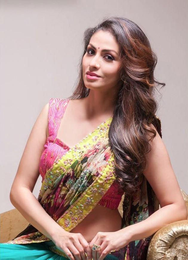 Sadha Sexy Pics