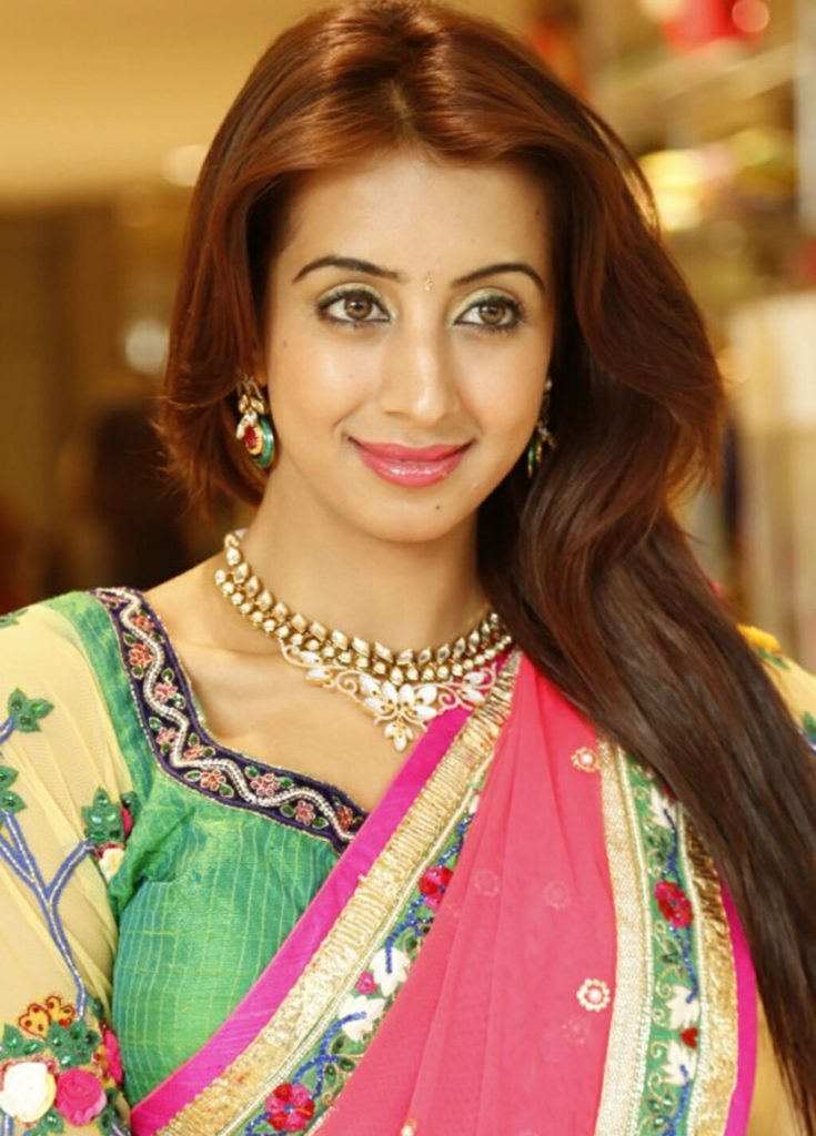 Sanjjanaa Archana Galrani Latest Hair Style Images