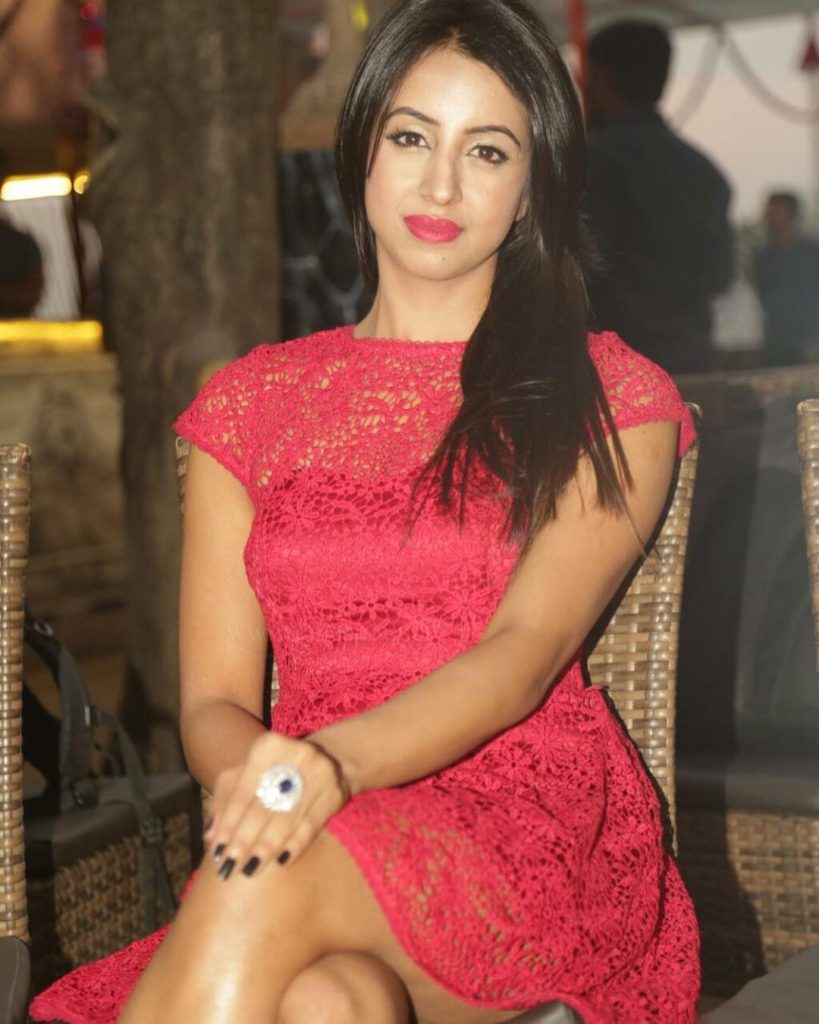 Sanjjanaa Archana Galrani Photos At Award Show