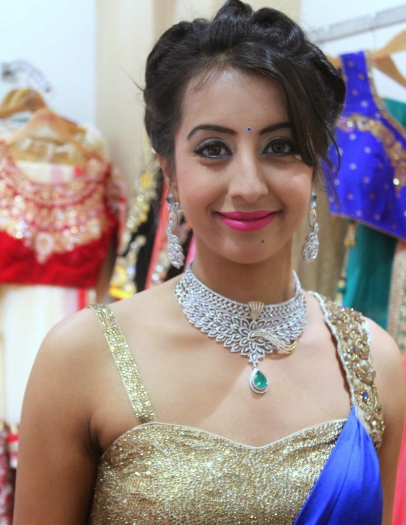 Sanjjanaa Archana Galrani Royal Look Images