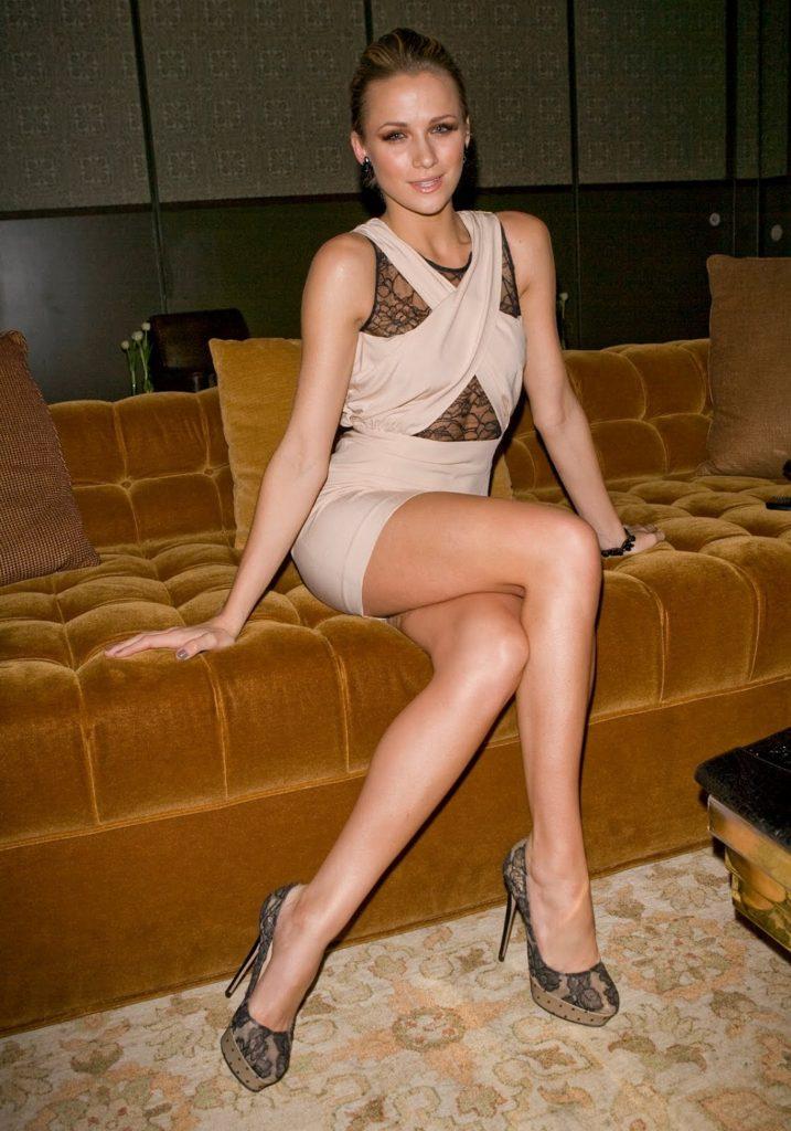 Shantel VanSanten Hot Legs Photos