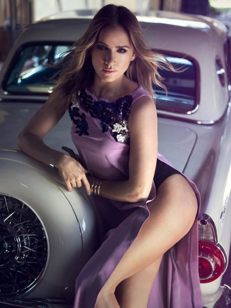 Shantel VanSanten Sexy & Hot Legs Photos
