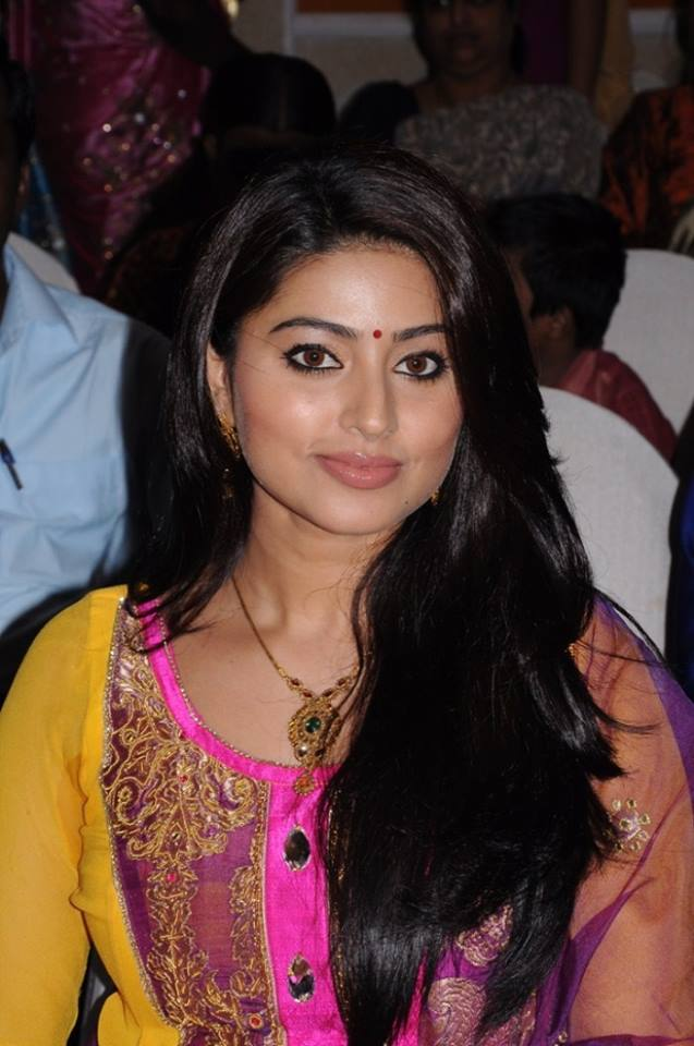 Sneha Images At Award Show