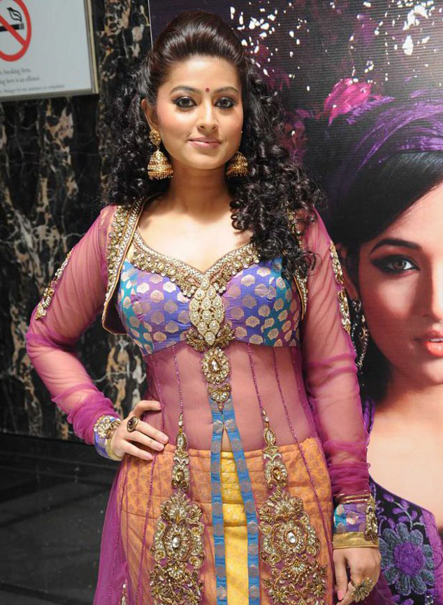 Sneha Lovely Images