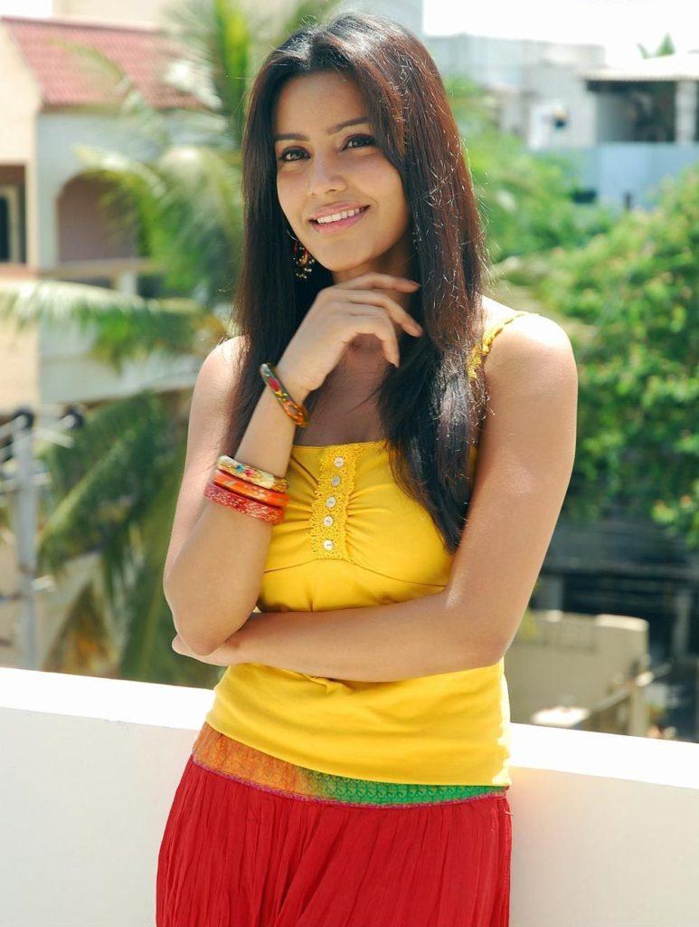 Tollywood Actress Priya Anand Wallpapers