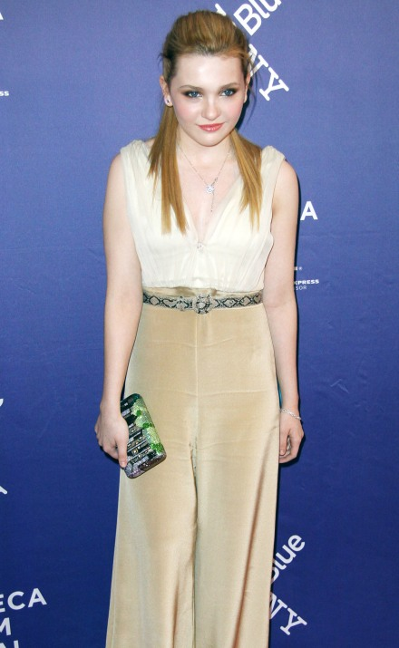 Abigail Breslin Spicy & Sizzling Photos