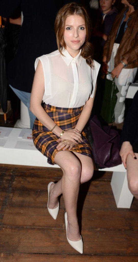 Anna Kendrick Royal Look Images
