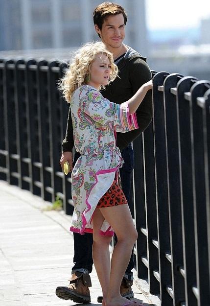 AnnaSophia Robb Photos With His Boyfriend