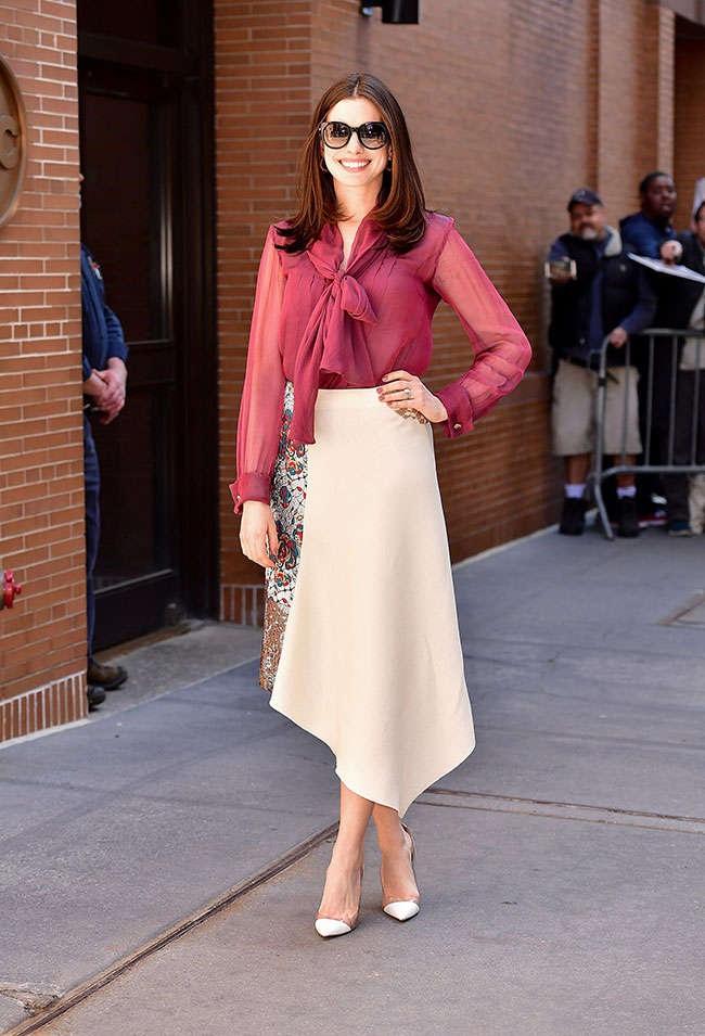Anne Hathaway Charming Photos