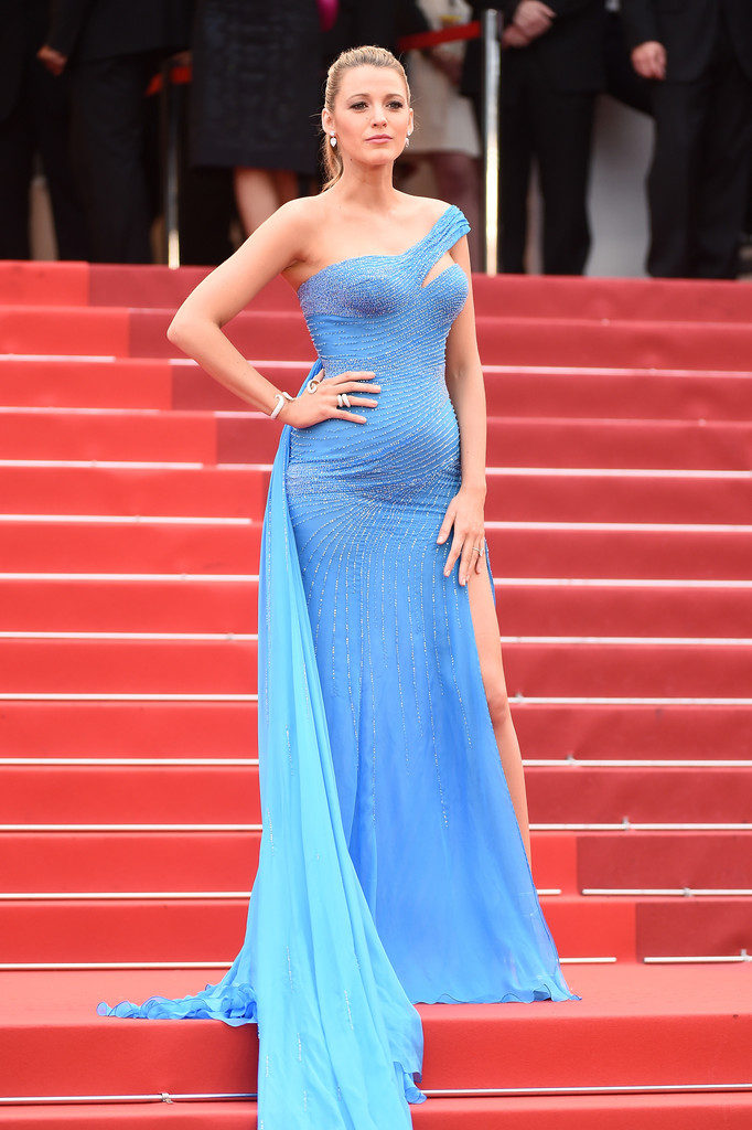 Blake Lively Pictures With Baby Bump