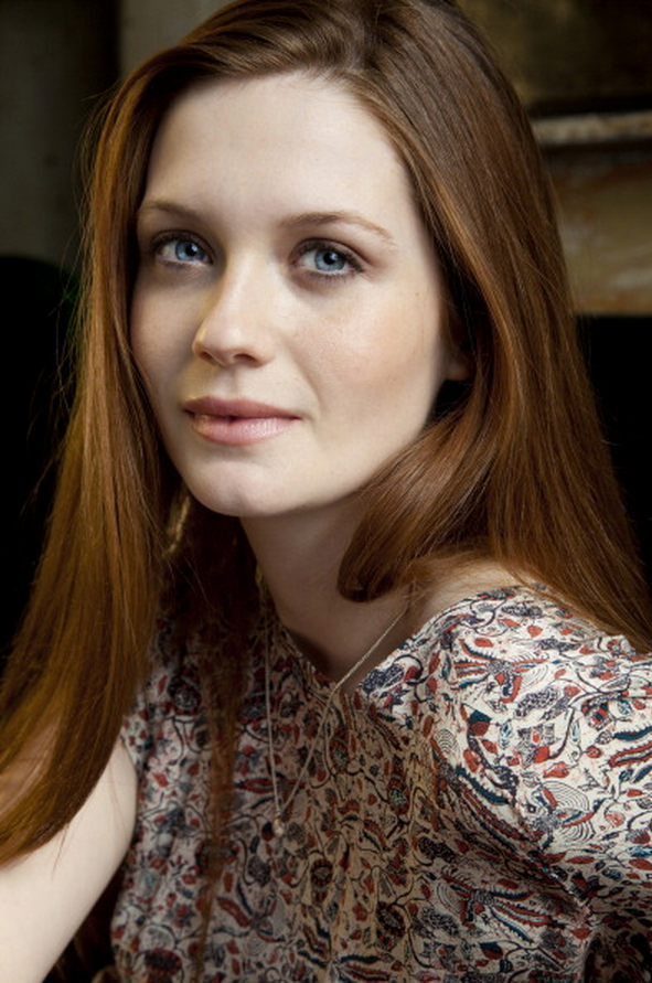 Bonnie Wright Cute Wallpapers