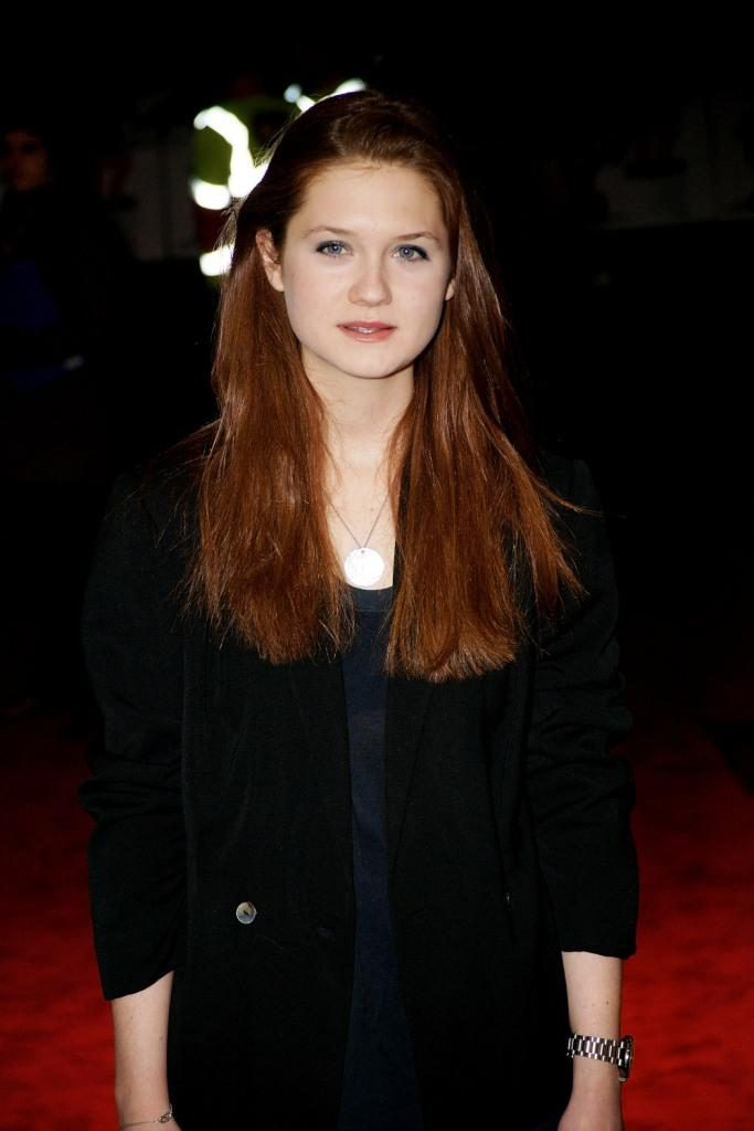 Bonnie Wright Royal Look Images