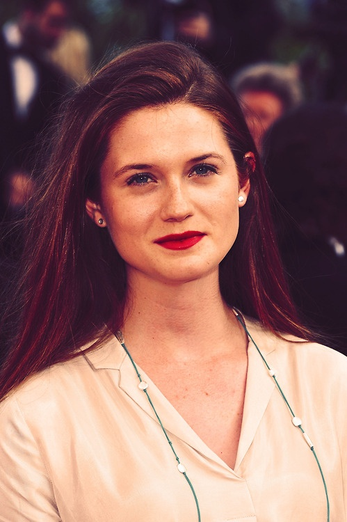Bonnie Wright Spicy & Sizzling Images