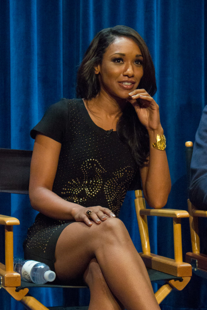 Candice Patton Cute Smiling And Sexy Legs Pics