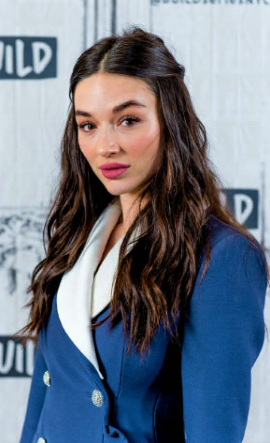 Crystal Reed Pictures For Desktop