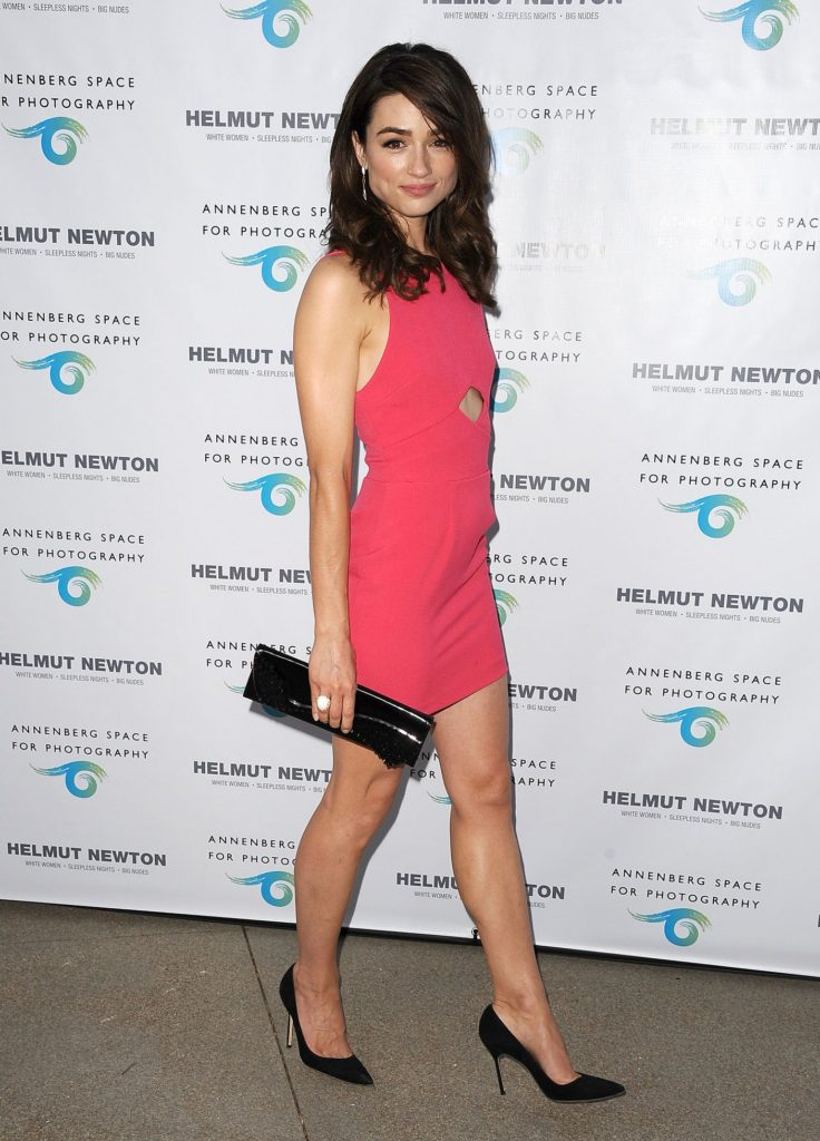 Crystal Reed Sexy Legs Photos In Shorts
