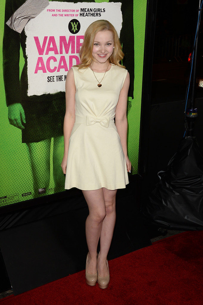 Dove Cameron Images In Short Cloths