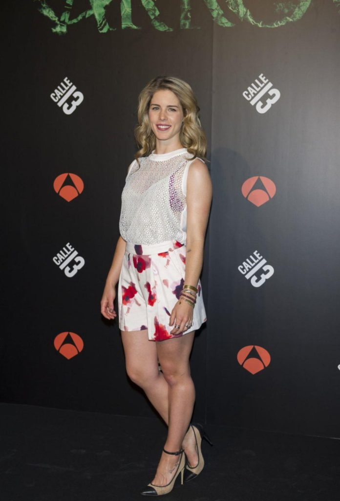 Emily Bett Rickards Images For Profile Pics
