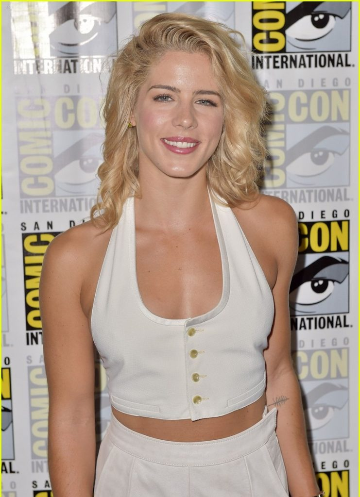 Emily Bett Rickards Pictures At Event