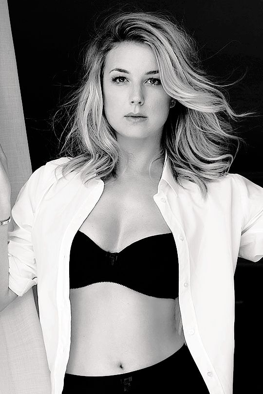 Emily VanCamp Black & White Images
