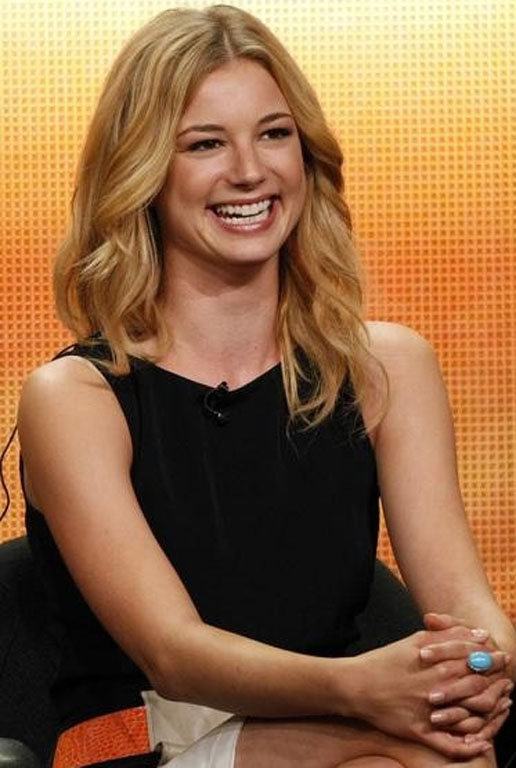 Emily VanCamp Lovely Pics