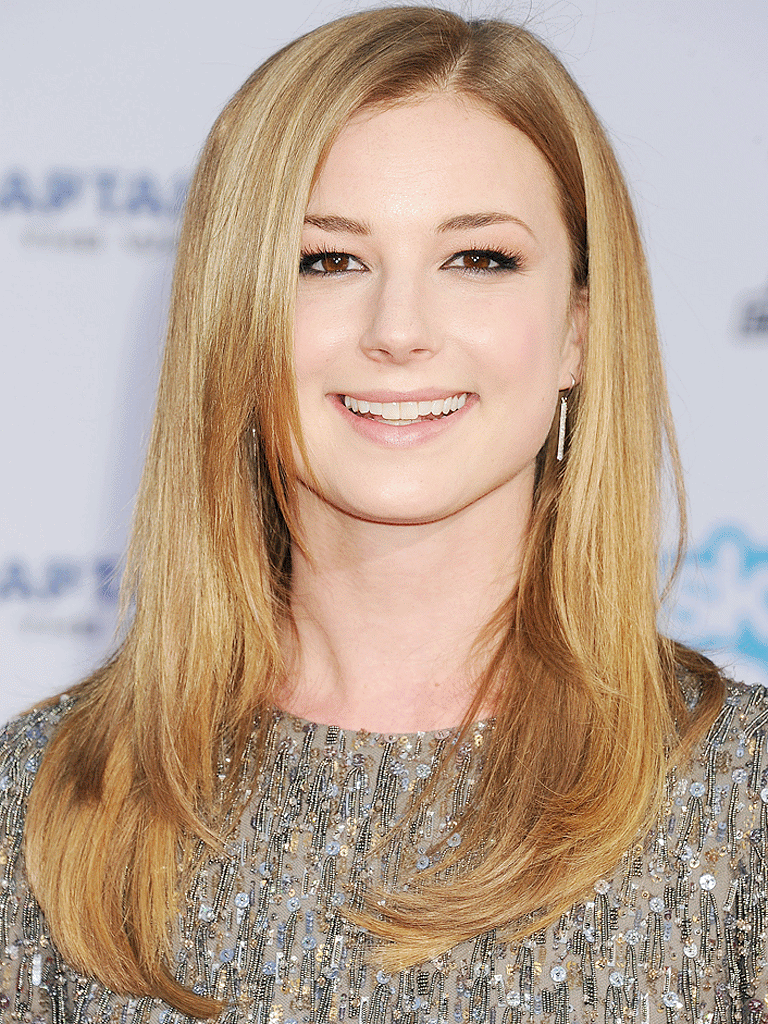 Emily VanCamp Photos At Event