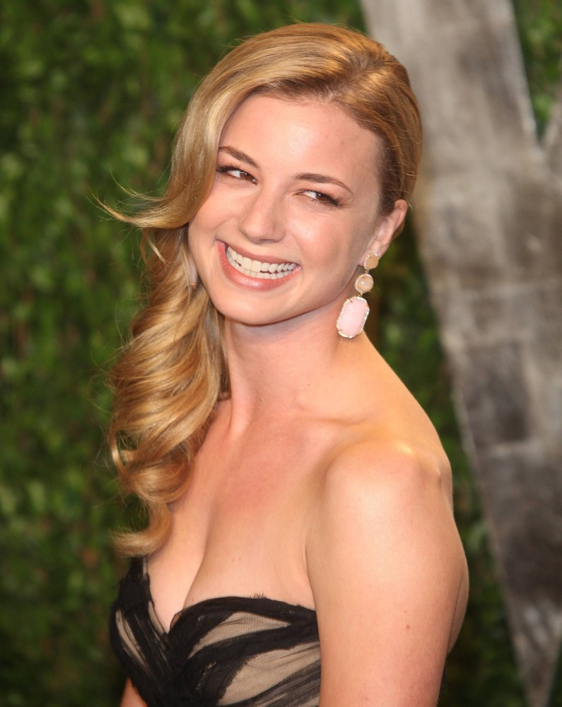 Emily VanCamp Sweet Smile Wallpapers