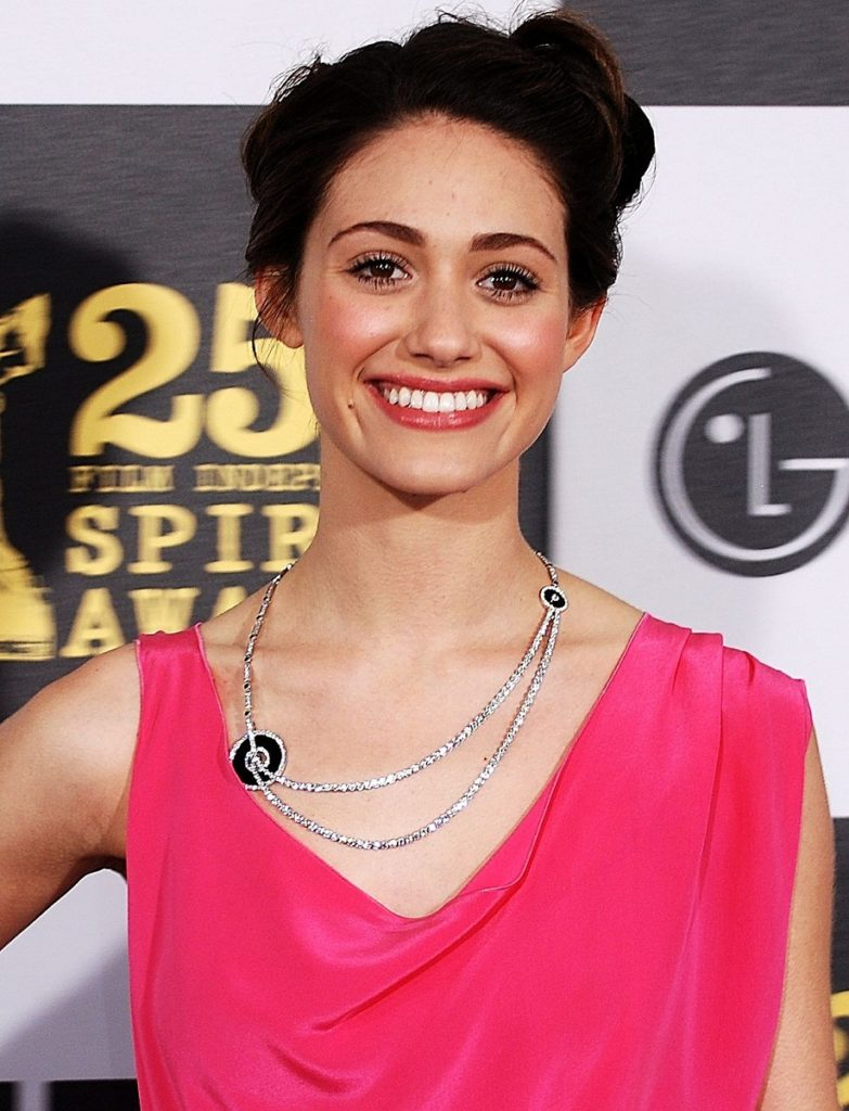 Emmy Rossum New Hair Style Images
