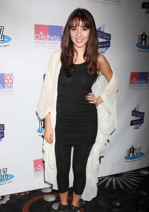 Haley Pullos Images