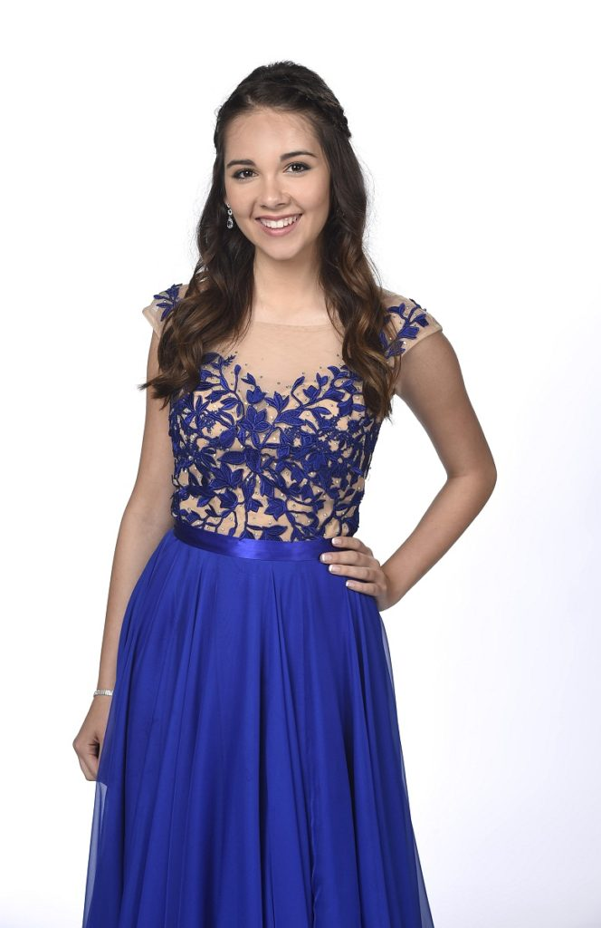 Haley Pullos New & Nice Look Photos
